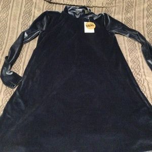 Forever 21 Brand new dress size small